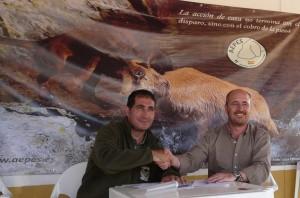 firma convenio juvenex-aepes