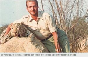 el Rey cazando en Angola