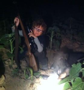 alvaro con su primer jabali a la espera en los girasoles