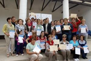 AMFAR Critpana Entrega diplomas