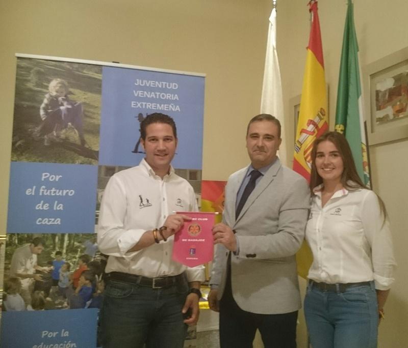 JUVENEX y Rotary Club de Badajoz firman un acuerdo de colaboración.