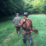 Domingo, con el guía, cazando corzos en Francia