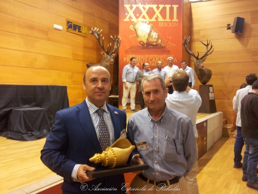 Caracola Honorífica entregada a la Asociación Española de Rehalas.