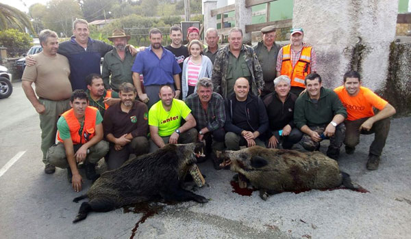 Dos navajeros de 90 kilos tumbaban los de Rubén en Rollamiu. :: AS.