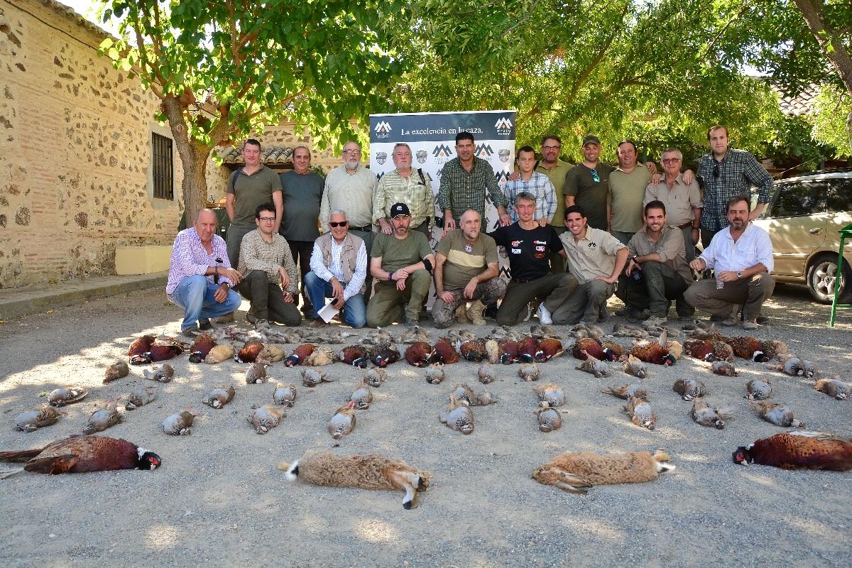 Periodistas-cazadores abriendo la temporada de caza menor en la finca Mochares.