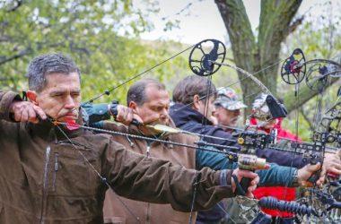 Los arqueros practican en el campo de tiro / Sergio Enríquez-Nistral
