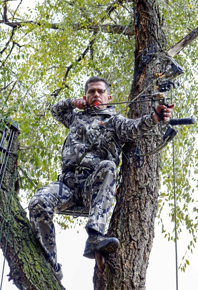 Paco lleva 21 años cazando con arco / Sergio Enríquez-Nistral