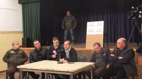 Momento de la reunión celebrada en Madrigal / F.G. Muriel