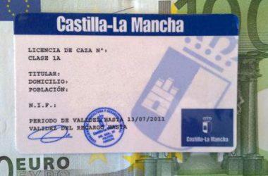 El número de licencias de caza se ha reducido en Castilla-La Mancha desde 2011 / EFE