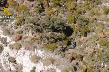 Los dos furtivos descubiertos por el helicóptero de la Guardia Civil.