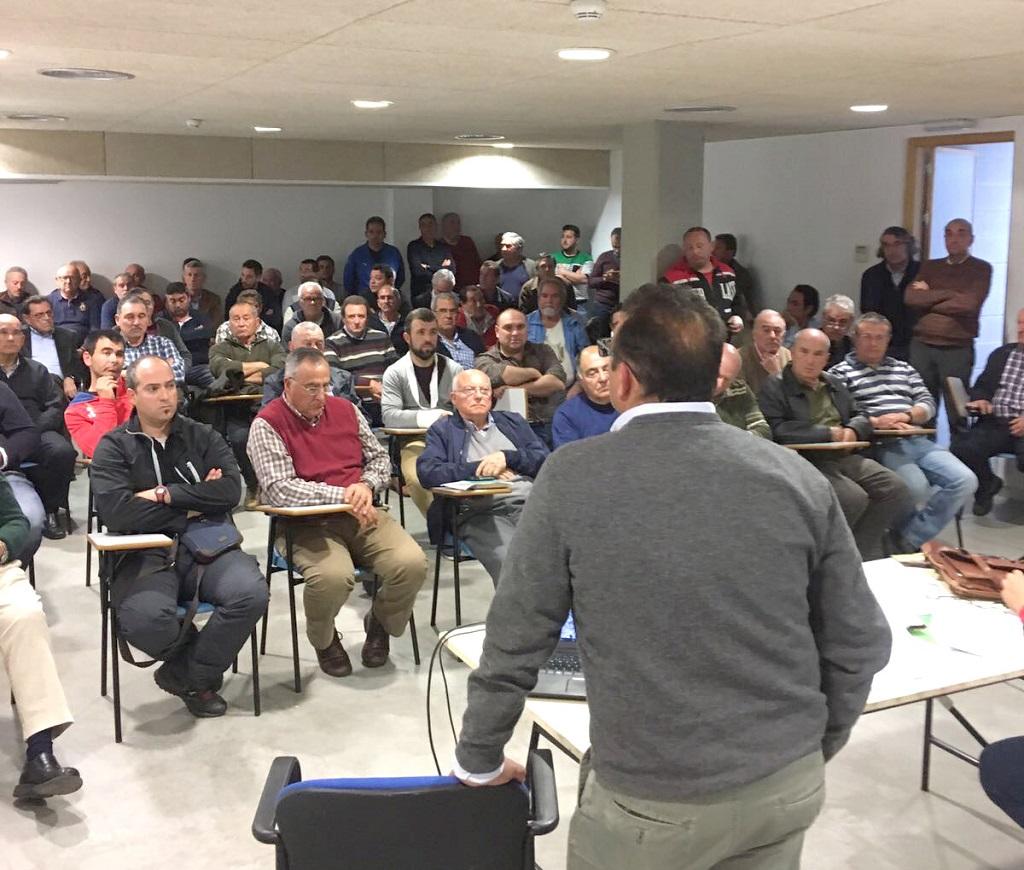 Reunión de la plataforma integrada por la FAC para representar a un millar de afectados.