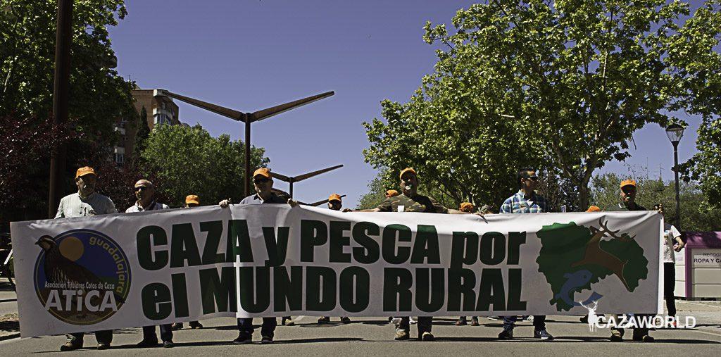 La pancarta de Ática que encabezada la manifestación celebrada en Gudalajara.