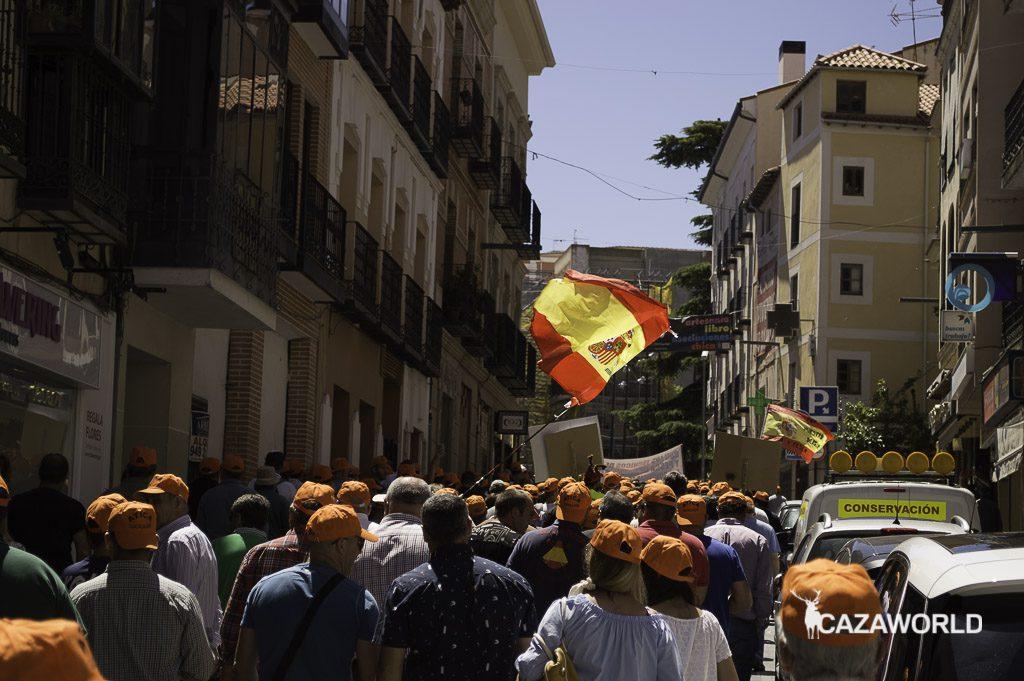 Las calles de Guadalajara se han llenado de cazadores manifestándose.