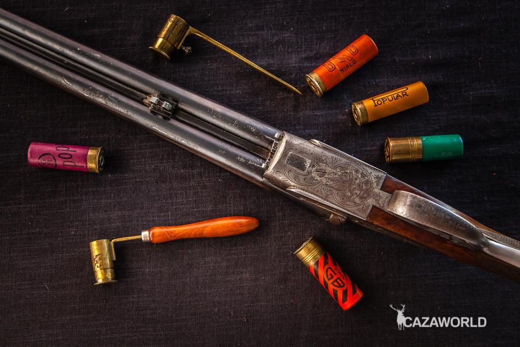Escopeta paralela sin la delantera para comprobar el ajuste de la báscula t los cañones