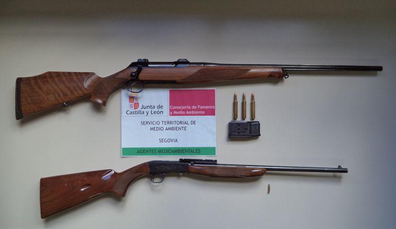 Imagen de las armas incautadas al cazador denunciado por llevar su arma cargado en su vehículo / Junta CyL