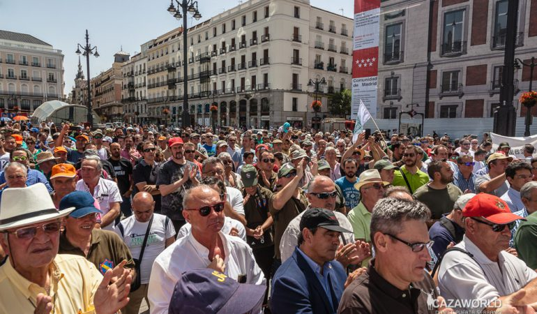 Numerosos cazadores acudieron a la concentración de la caza en Madrid