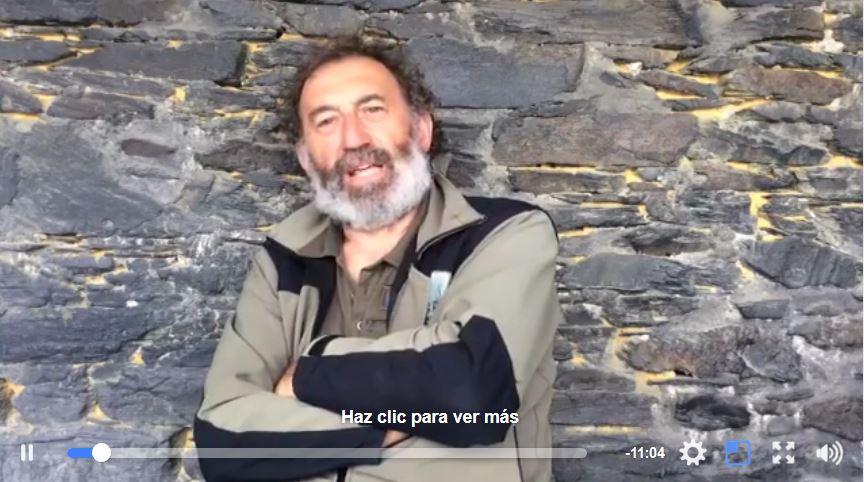 Captura del vídeo protagonizado por el agente medioambiental.