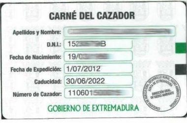 Imagen del Carnet del Cazador de Extremadura.
