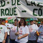 Manifestantes desplazados desde Monturque hasta Córdoba para reivindicarse.