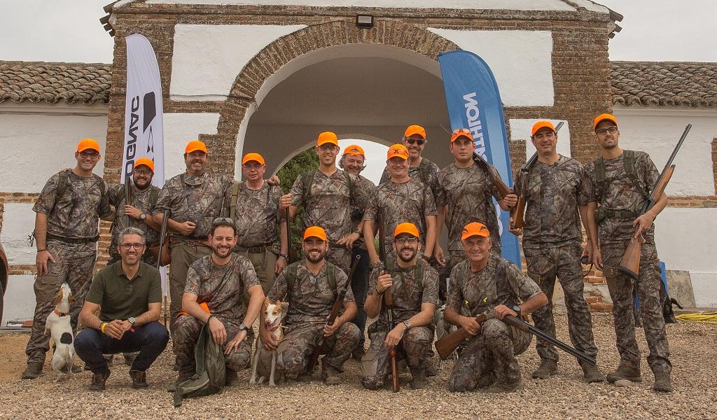 Grupo de profesionales del sector durante el encuentro Decathlon Solognac 2017