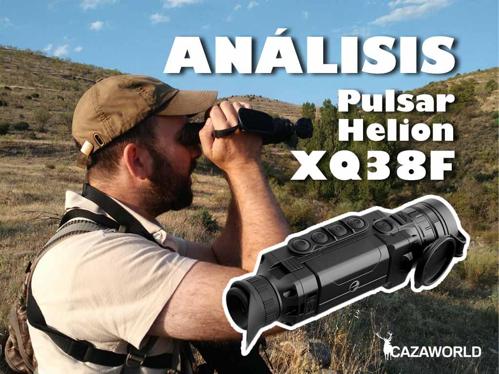 Un cazador busca animales en su coto con el visor térmico Pulsar Helion XQ38F