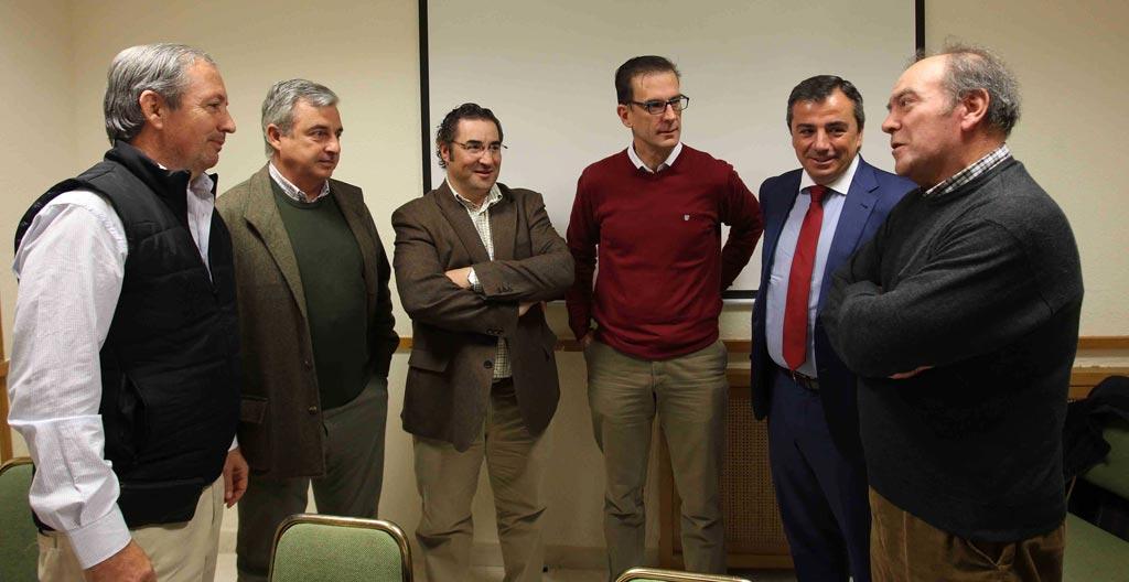 Representantes de la Mesa Regional en Defensa de la Caza de Castilla-La Mancha.