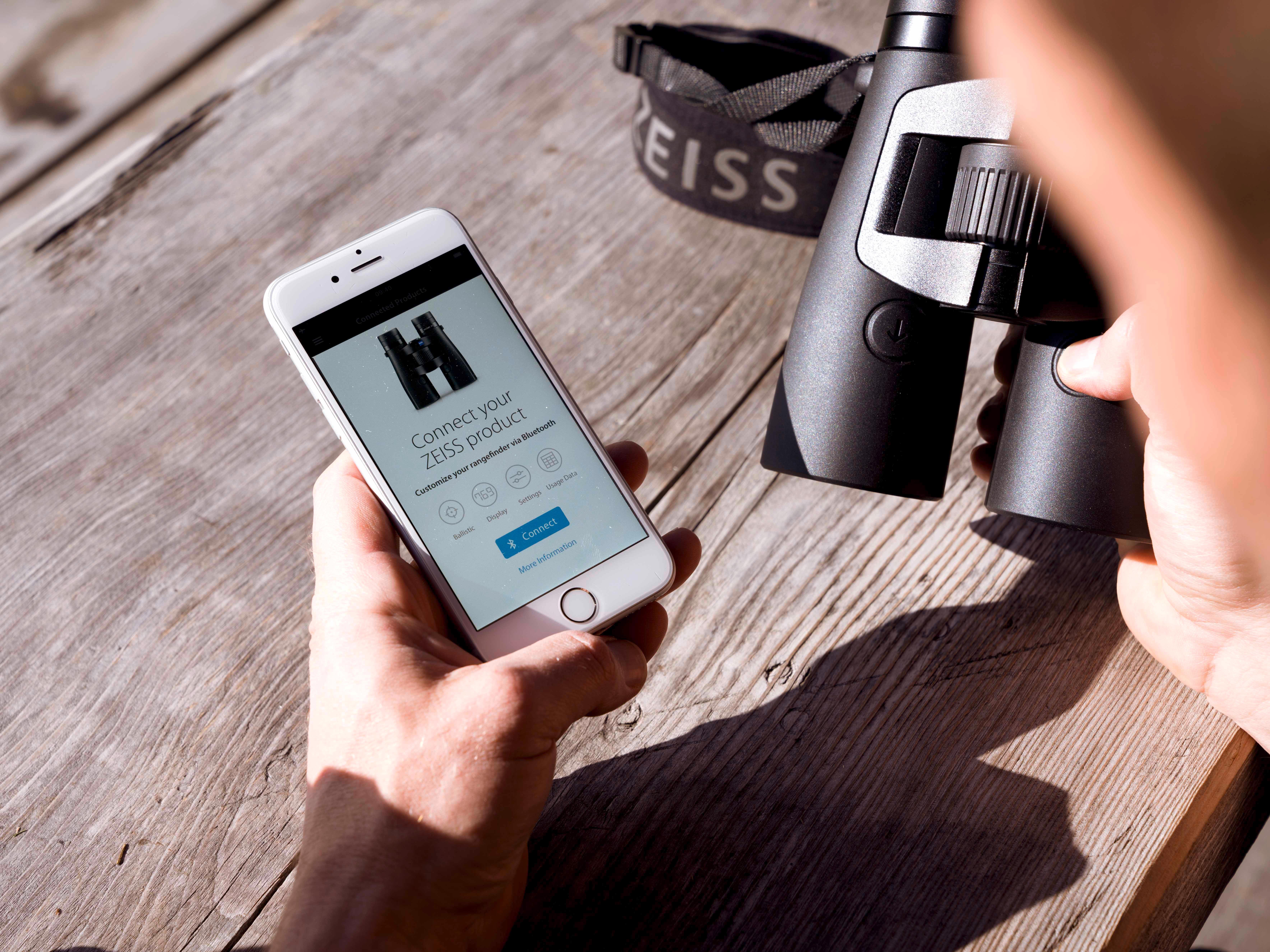 Aplicación App Zeiss Hunting para el nuevo prismático Victory RF de Zeiss.