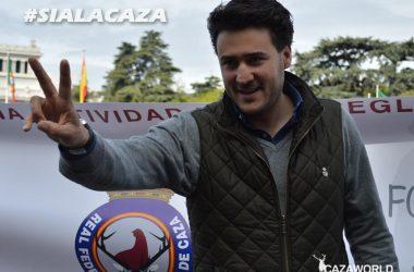 El presidente de la Real Federación Española de Caza en la Concentración del 15-A en Madrid. / Cazaworld