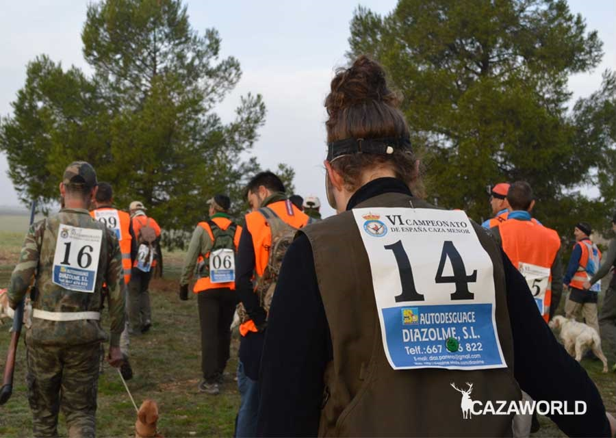 Participantes yendo hacia la salida Campeonato de España de Caza Menor con Perro 2018.
