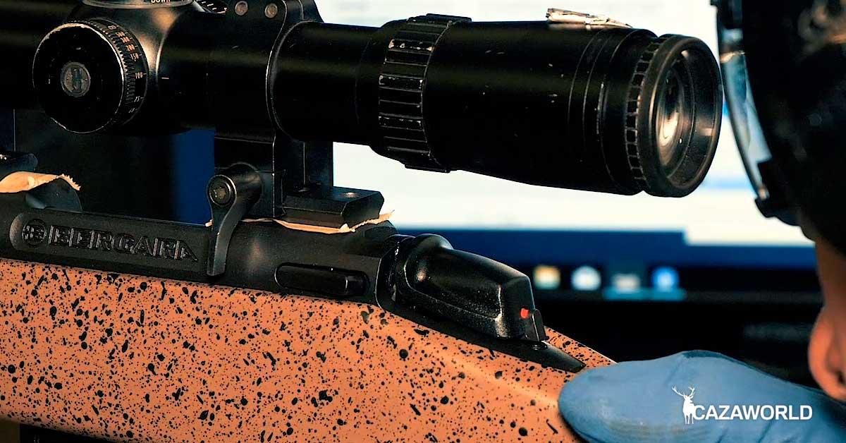 Bergara B14 HMR prueba de precisión. Cada uno de los rifles es probado en la galería de tiro de la fábrica.