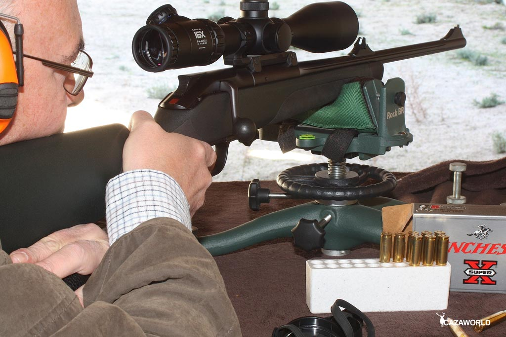 El visor se probó a 100 metros con cartuchería Winchester 8 mm. Mauser.