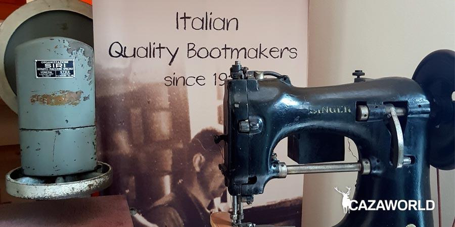 Máquinas de coser empleadas en la fábrica de Zamberlan en el pasado.