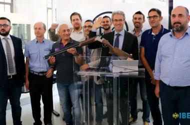 Equipo de ingenieros creadores de la Beretta 694