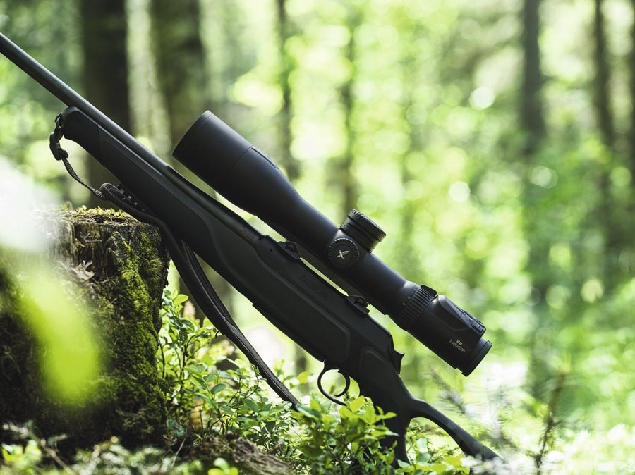 Swarovski dS con carril de montaje en rifle
